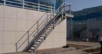 Лестницы металлически